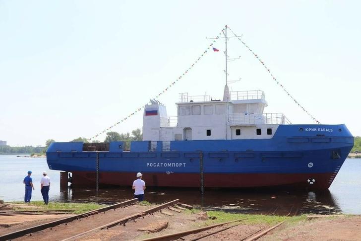 На Балаковском судостроительно-судоремонтном заводе спустили на воду гидрографический катер