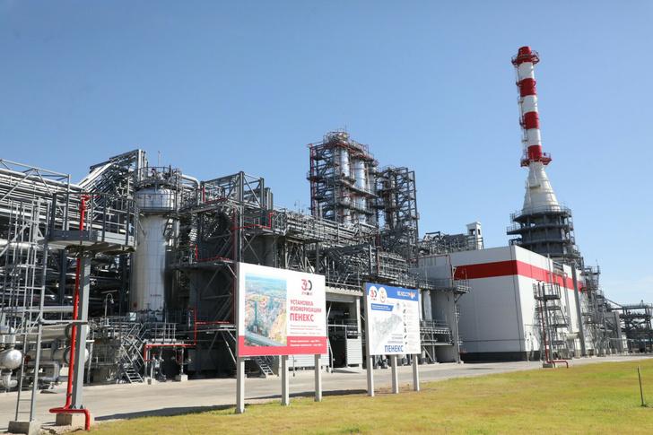 Лукойл запустил новое производство высокооктановых компонентов бензина на Кстовском НПЗ