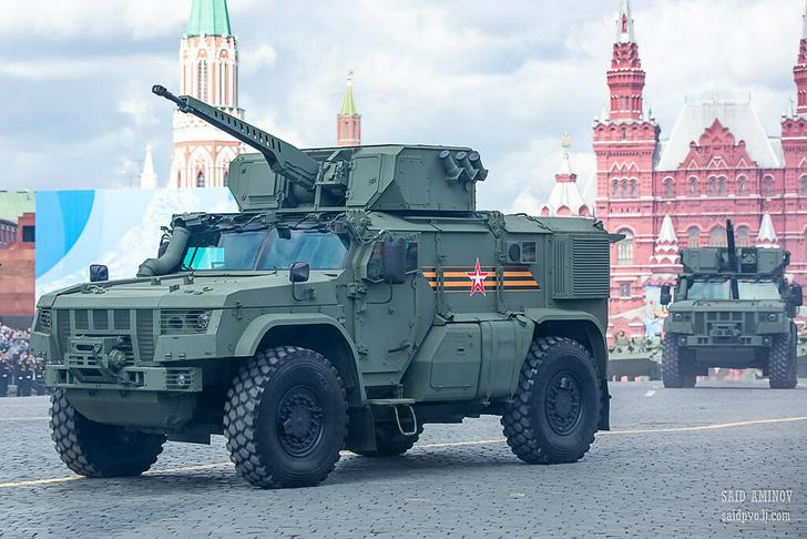 В России создали новый броневик сопровождения «Напарник»