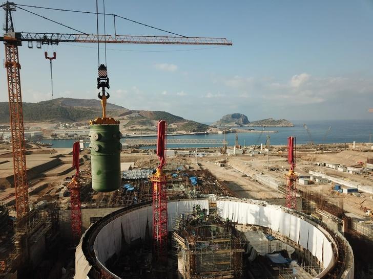 На АЭС «Аккую» установлен первый корпус реактора
