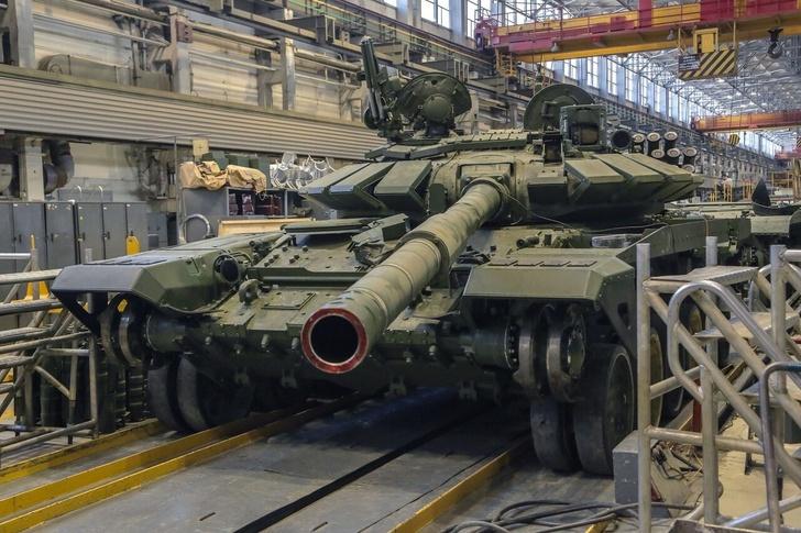 Уралвагонзавод отгрузил боевые болиды для «Танкового биатлона»