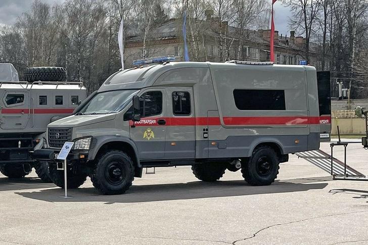 В Балашихе представлен новый спецавтомобиль для службы разминирования Росгвардии