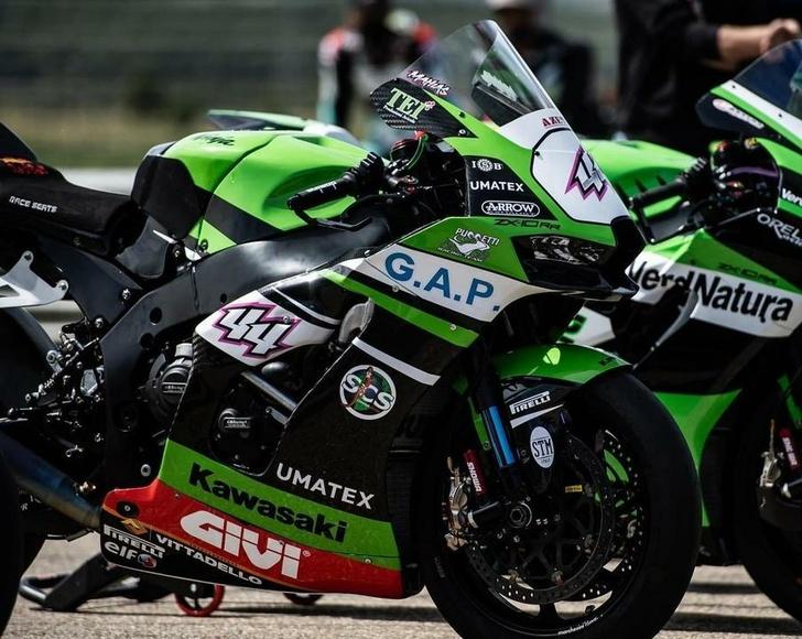 Компания «Юматекс» произвела детали из углеволоконных композитов для оснащения гоночных мотоциклов