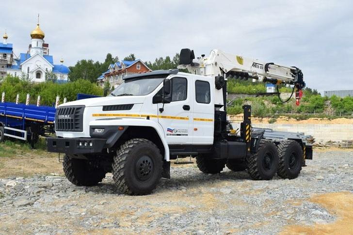 УЗСТ в мае 2021 года представил новые модели спецтехники на шасси Урал-NEXT